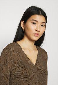 Moss Copenhagen - RIKKELIE DRESS - Day dress - brown - 3