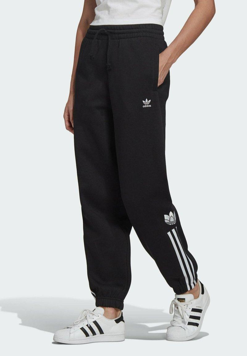 adidas Originals - FLEECE PANT ADICOLOR ORIGINALS RELAXED PANTS - Tracksuit bottoms - black