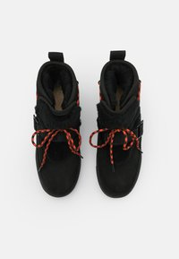 UGG - CLASSIC WEATHER HIKER - Snowboots  - black - 5