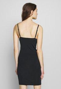 Gestuz - CAMIGZ DRESS - Jerseykjole - black - 2