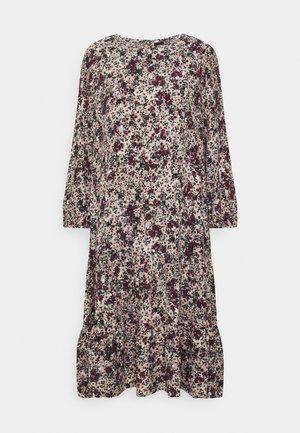 VMLIVIANA O NECK DRESS - Kjole - fawn/liviana