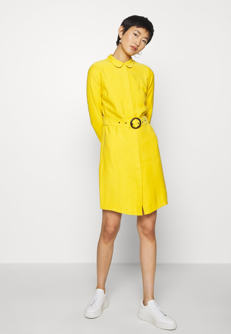 Another-Label - PERI DRESS - Robe chemise - lemon curry