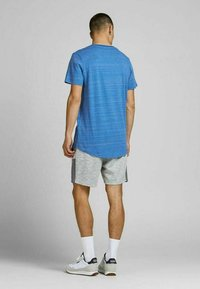 Jack & Jones - SLIM FIT - Print T-shirt - deep water - 2