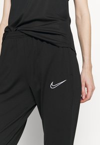 Nike Performance - PANT - Pantalon de survêtement - black/white - 5