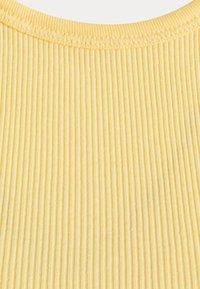 Levi's® - HIGH NECK TANK - Top - golden haze - 6