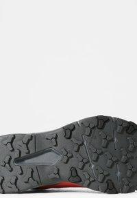 The North Face - EXPLORIS FUTURELIGHT - Hiking shoes - fiesta red tnf black - 4