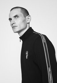 KARL LAGERFELD - ZIP JACKET - Zip-up sweatshirt - black - 4