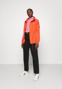 Calvin Klein - PACKABLE JACKET - Summer jacket - fiesta - 1