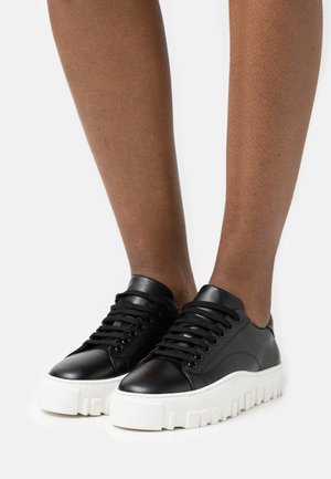 STOVNER SHOE - Trainers - black
