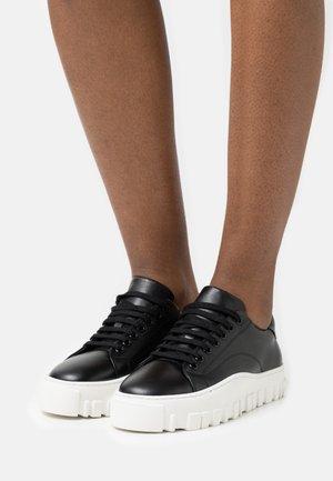 STOVNER SHOE - Sneaker low - black