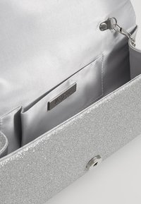 Mascara - ENVELOPE FOLD - Clutches - silver - 4