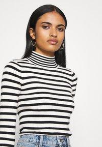 Fashion Union - STRIPEY - Trui - black/white - 3