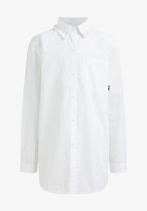 MET BORSTZAKJE - Chemisier - white