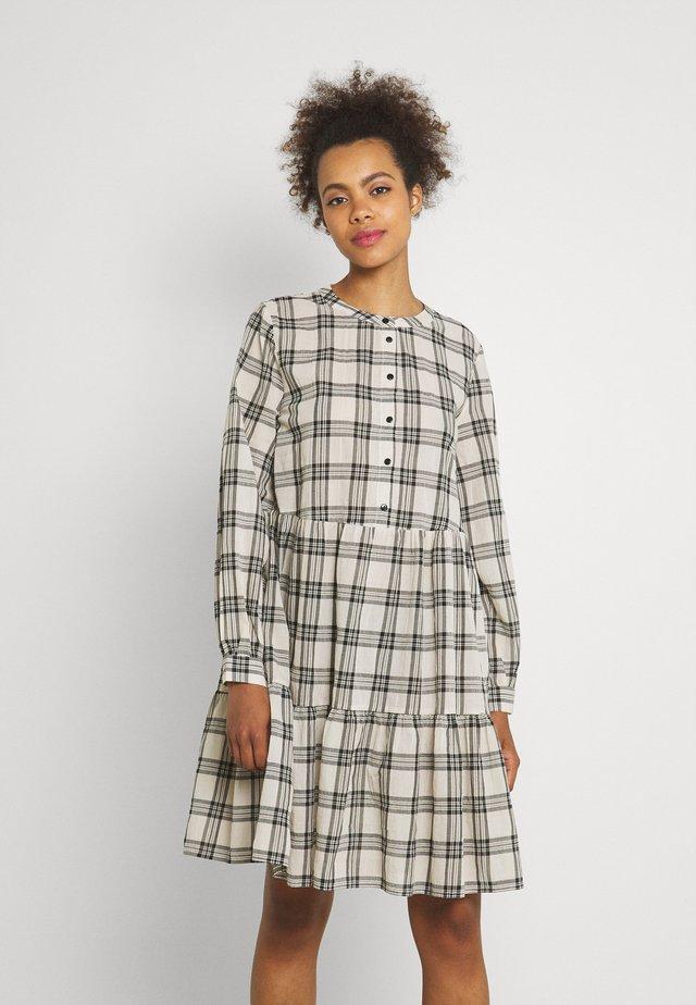 FINE DRESS  - Košilové šaty - birch