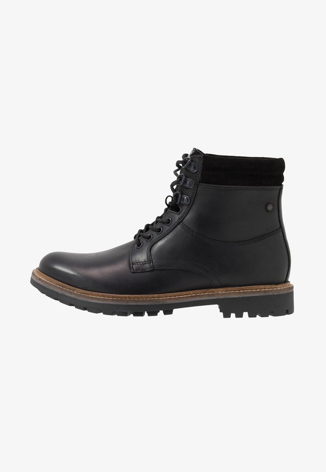HIDE - Veterboots - pull up black