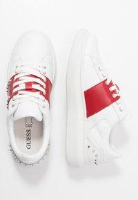 Guess - KEAN - Sneaker low - white/red - 1