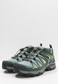 Salomon - X ULTRA 3 GTX  - Hiking shoes - artic/darkest spruce/sunny lime - 2
