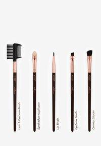 Luvia Cosmetics - BRUSH SET - Kit pennelli - golden queen - 3