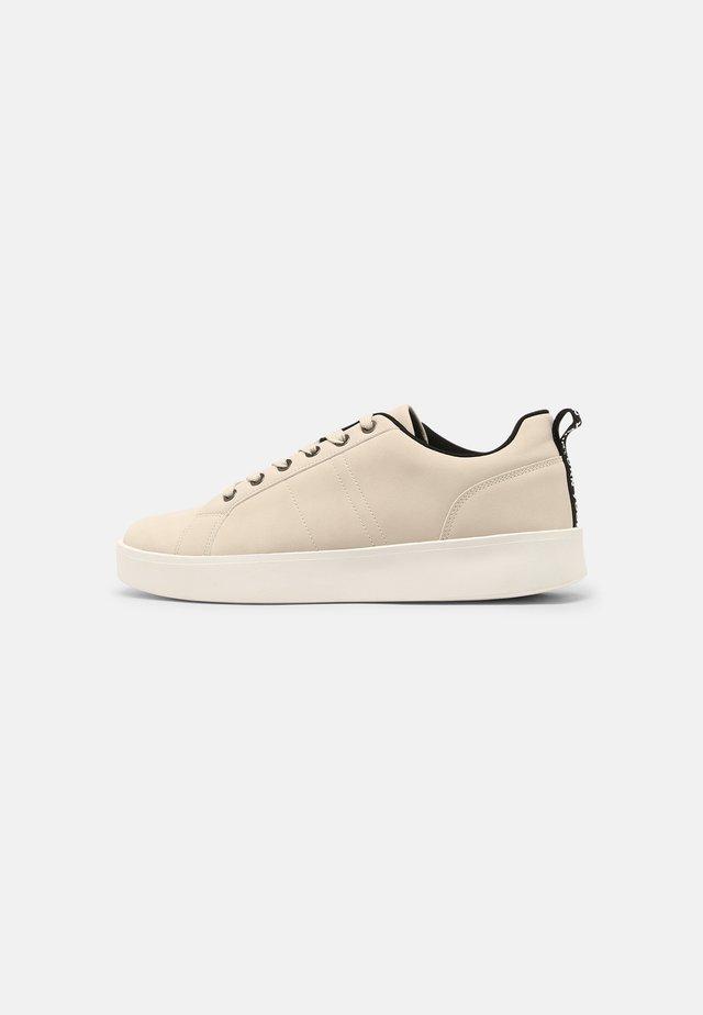 UNISEX - Zapatillas - beige