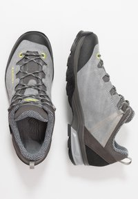 Lowa - SASSA GTX LO - Hiking shoes - grau/mint - 1