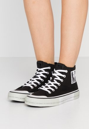 KAMPUS LEGEND  - Sneaker high - black