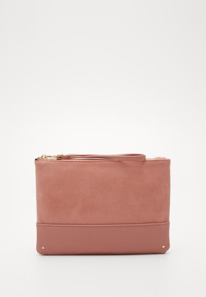 BLUSH STUD PANEL CLUTCH - Psaníčko - blush