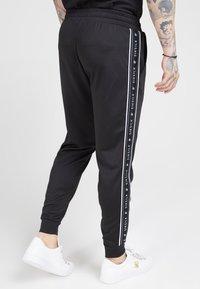 SIKSILK - FITTED PANEL TAPE TRACK PANTS - Pantalon de survêtement - black - 4