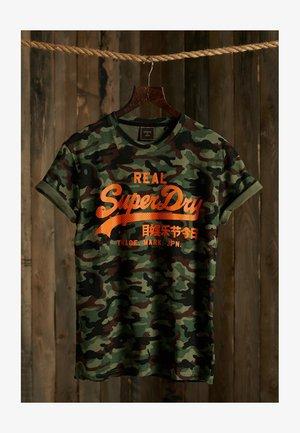 VINTAGE  - T-shirt med print - army camo