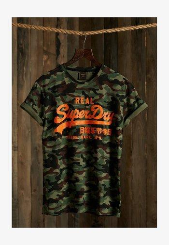 VINTAGE  - Print T-shirt - army camo