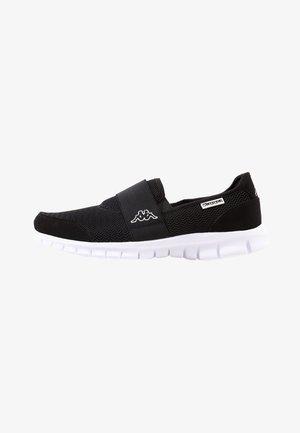 TARO - Walking trainers - black/white