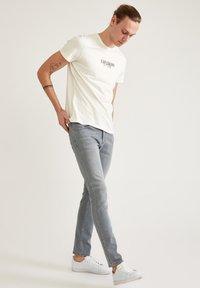 DeFacto - Jeans slim fit - grey - 4