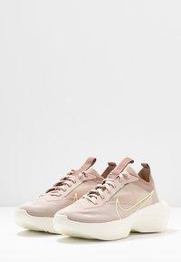 Nike Sportswear - VISTA LITE - Trainers - fossil stone/barely volt/desert dust - 6