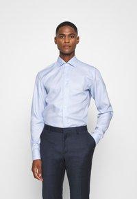 Eterna - SLIM FIT CLASSIC KENT KRAGEN - Formální košile - hellblau - 0