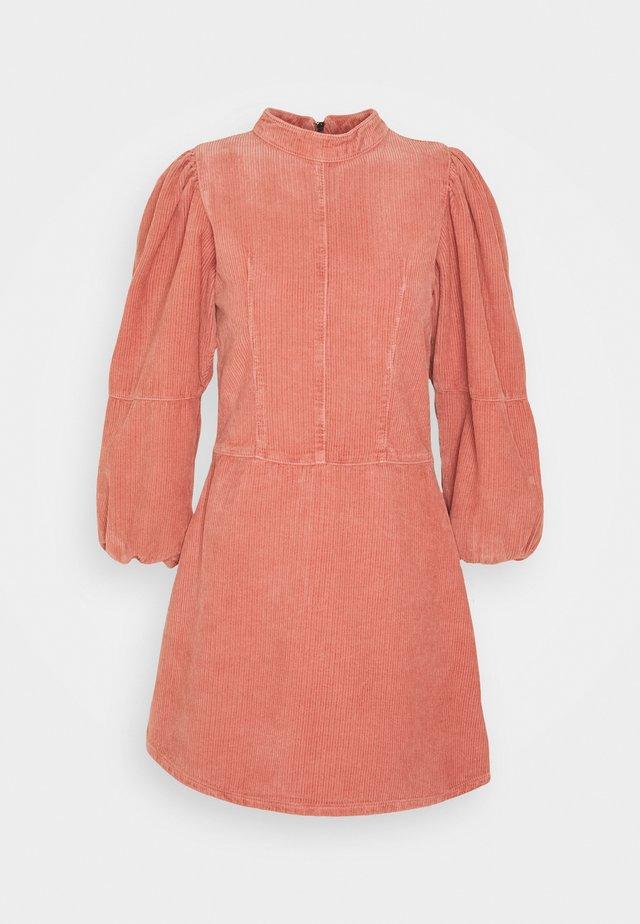 BABY DOLL - Korte jurk - pink