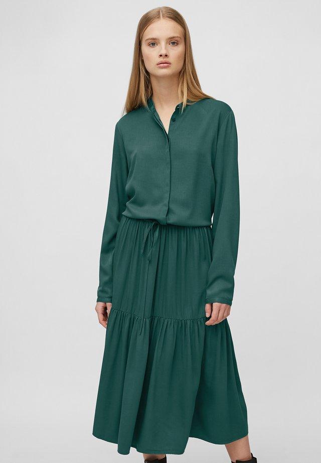 Sukienka koszulowa - fir tree