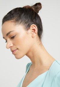 Maria Black - AMINA RAINBOW EARCUFF - Earrings - gold-coloured - 1
