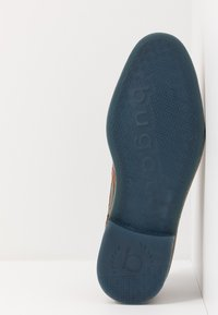 Bugatti - BASILEO COMFORT - Snörskor - cognac/dark blue - 4
