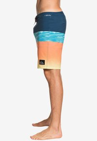 Quiksilver - HIGHLINE HOLD DOWN  - Swimming shorts - majolica blue - 3