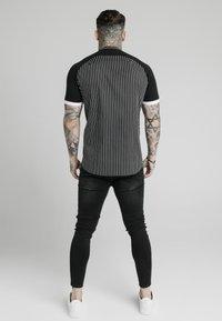 SIKSILK - RAGLAN INSET - Shirt - black/white - 2