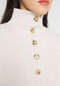 Fashion Union - JORDIE - Stickad tröja - cream - 5