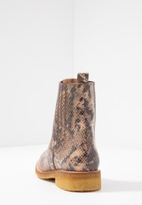 ANGULUS - Classic ankle boots - beige - 5