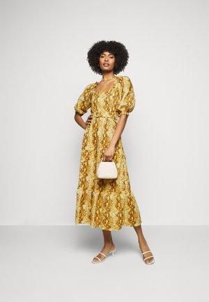 RUMI DRESS - Maxi šaty - dawn