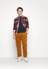 Converse - TRAIL PANT - Trousers - dark soba - 1