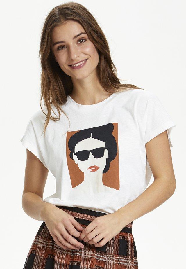 KARADELLA - T-shirt imprimé - chalk