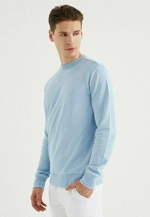Sweater - powder blue
