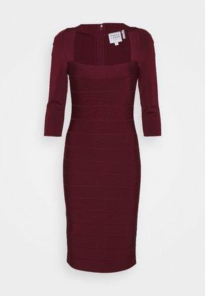 SQUARE 3/4 SLEEVE ICON DRESS - Shift dress - dark red