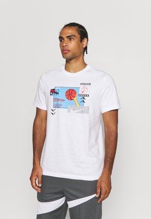 PHOTO TEE - T-shirt med print - white