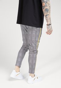 SIKSILK - FITTED SMART TAPE JOGGER PANT - Trousers - grey/yellow - 2