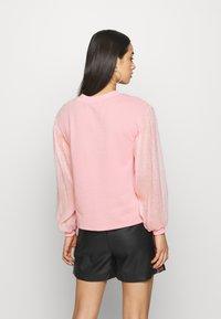 Lost Ink - V NECK - Sweatshirt - pink - 2