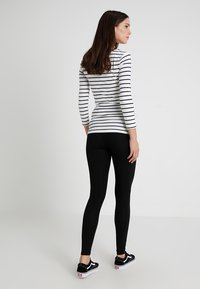 New Look Maternity - 2 PACK - Leggings - Trousers - grey - 2